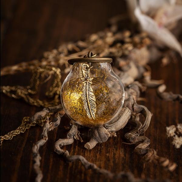 verre doré plume collier