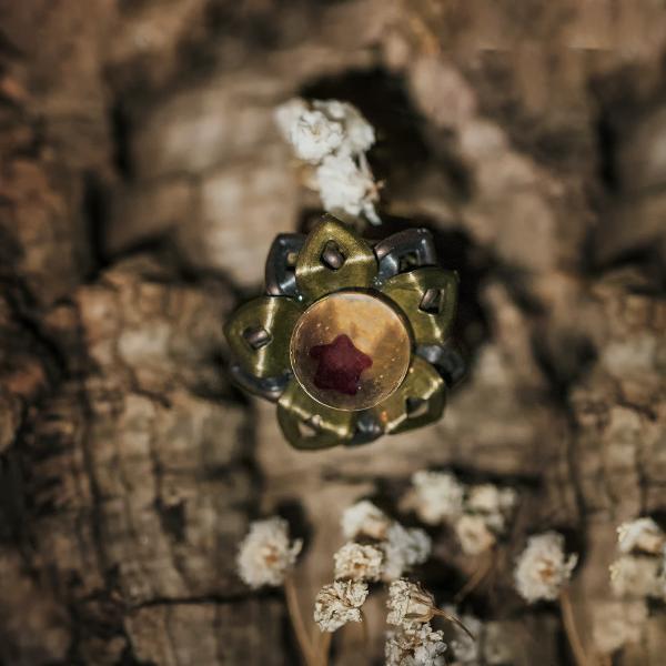 bague bronze fleur resine etoile ancien rouge paillettes doré