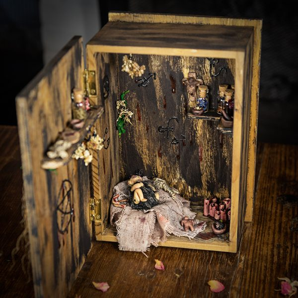 boite miniature sacrifice demon bois sang resine