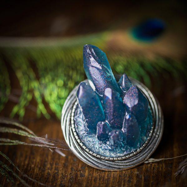 broche cristaux bleus resine argenté