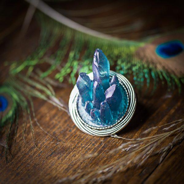 broche resine cristaux bleu argenté