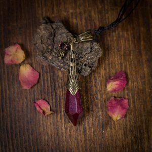 collier pendule resine rouge bronze paillettes