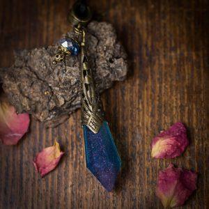 collier pendule resine bleu cuivre bronze paillettes
