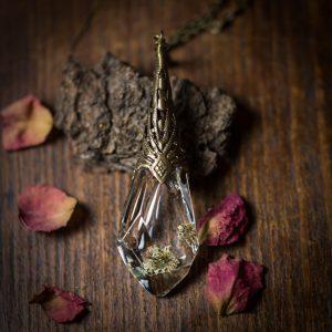 collier pendule resine fleur séchée bronze
