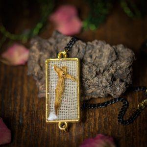bracelet fleur séchée resine lin tissu dorée noir