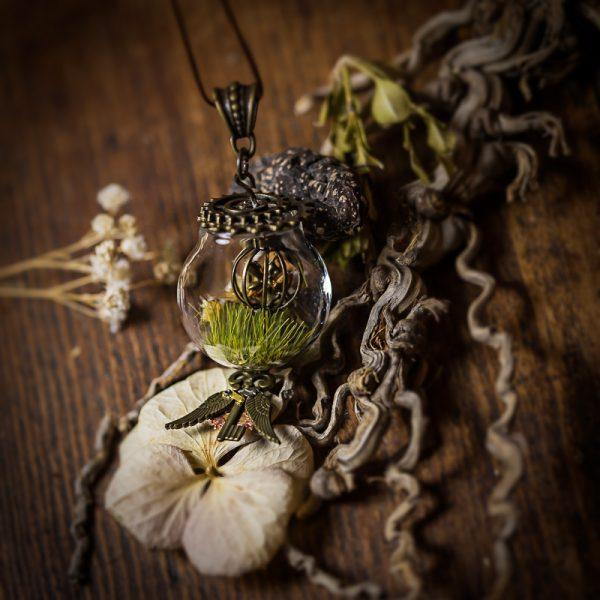 collier globe verre fée immortelle crane rouages cage
