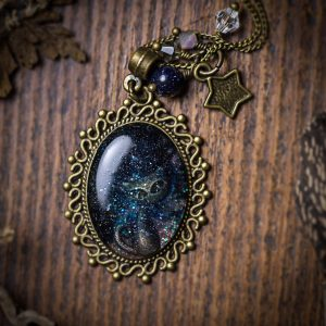 collier galaxy galaxie resine chat bleu