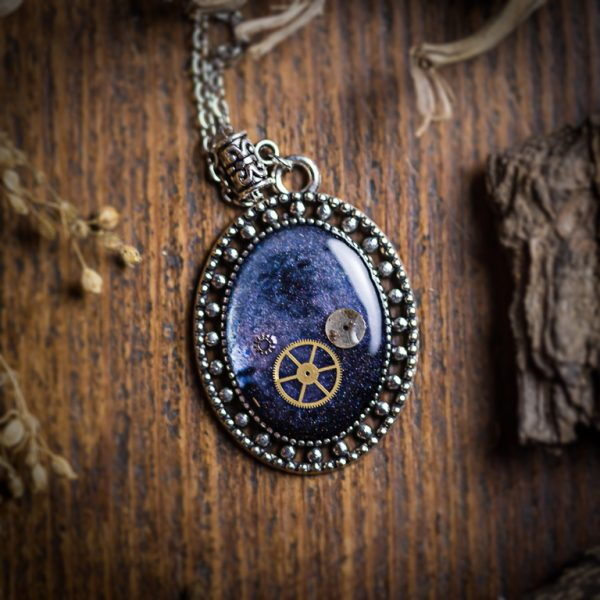collier galaxy resine rouage