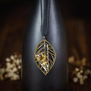 collier resine fleur séchée corse feuille