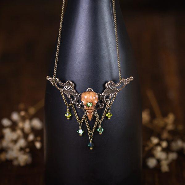 collier estampe crane oiseau resine cristal swarosky vert