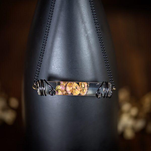 collier resine tube noir muguet phosphorescent rose