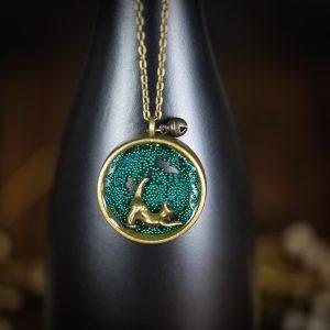 collier cercle resine bronze chat bleu