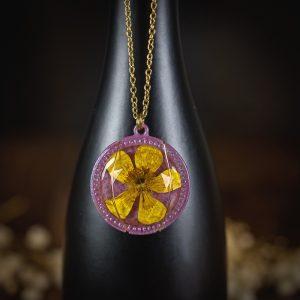 collier medaillon resine fleur séchée paillettes