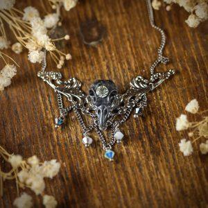 collier estampe crane oiseau noir cristaux swarosky perle