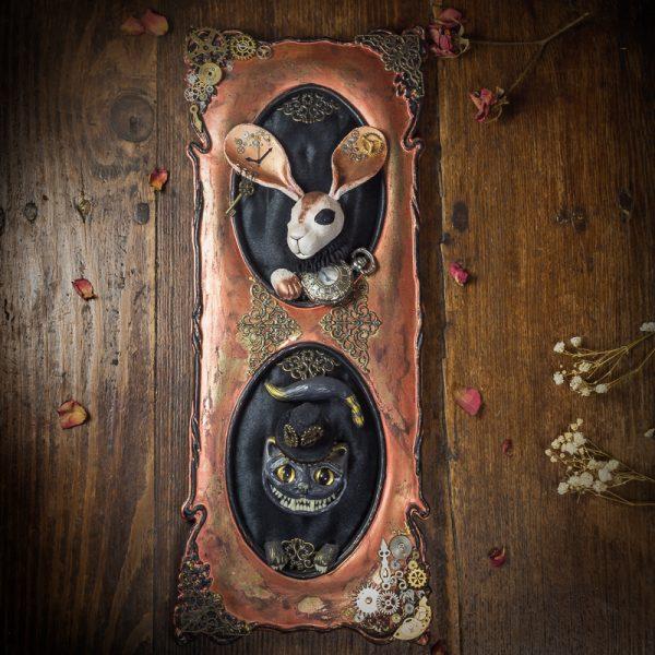 cadre alice au pays des merveilles steampunk rouages chat lapin pate polymere